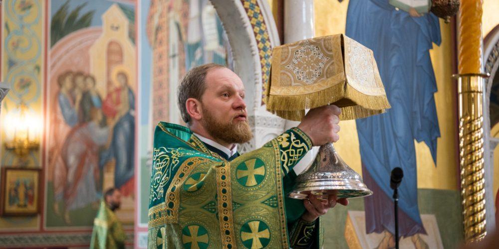 В храме прп.Сергия Радонежского в Солнцево встретили престольный праздник