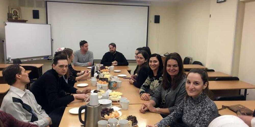 24 февраля состоялась встреча приходской молодежи храма Знамения и храма Троеручицы