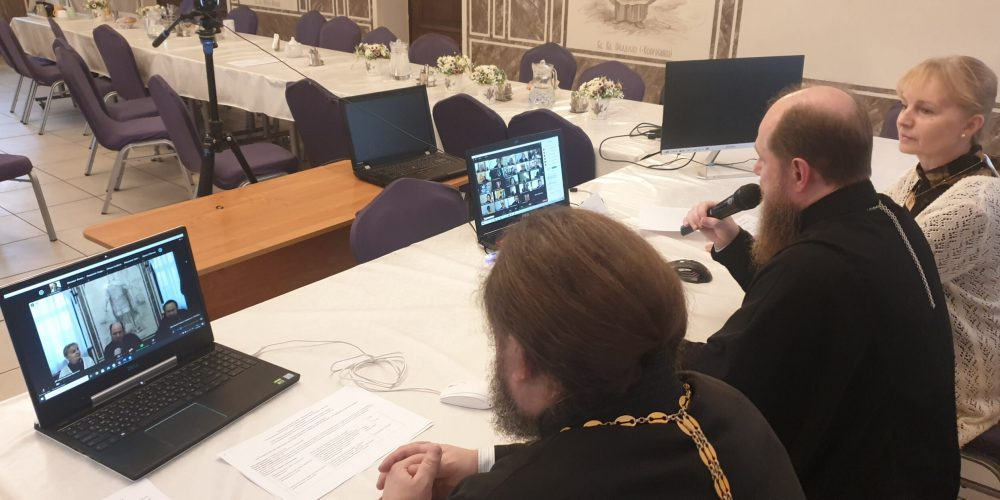 Клирики Западного викариатства провели итоговое собрание в онлайн-формате