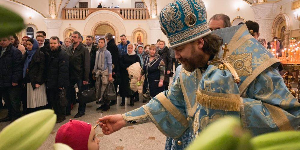 Епископ Фома совершил всенощное бдение в храме благоверного Игоря Черниговского в Переделкине