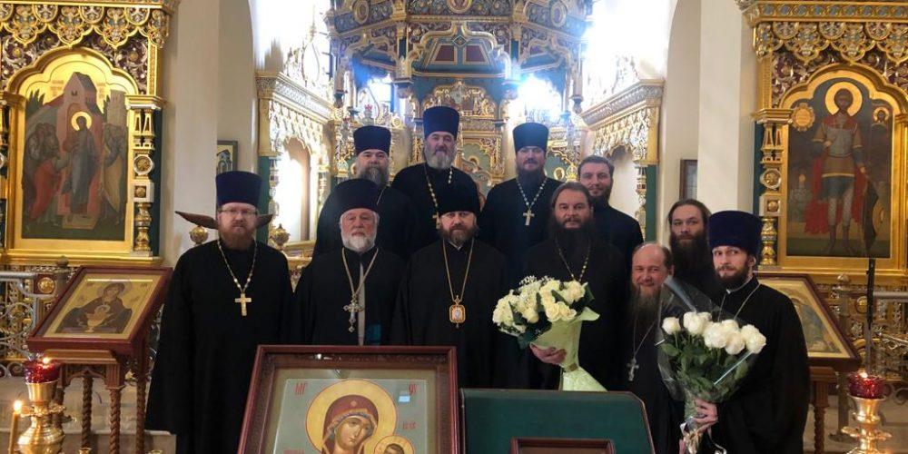 Епископ Фома поздравил протоиерея Игоря Фомина с 50-летием