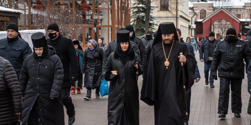 Литургию в Покровском монастыре в день рождения блаженной Матроны возглавил епископ Павлово-Посадский Фома