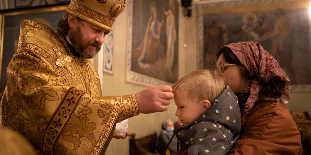 Епископ Павлово-Посадский Фома совершил Всенощное бдение в храме свт. Николая в Хамовниках