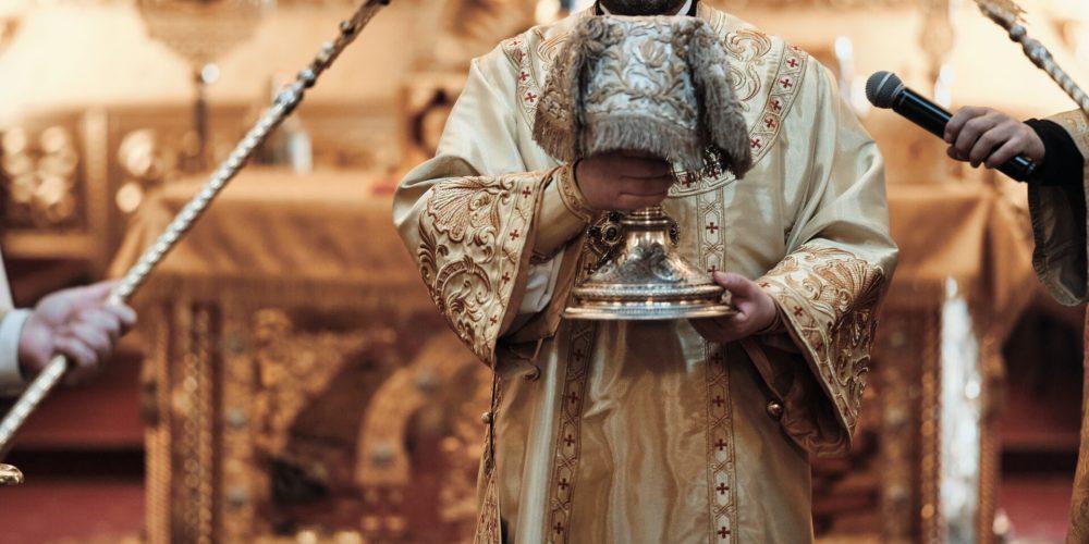 В праздник Торжества Православия епископ Павлово-Посадский Фома совершил Литургию в Богоявленском соборе