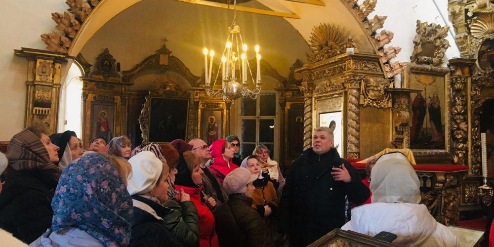 Экскурсия для пожилых людей в Храме Покрова Пресвятой Богородицы в Филях