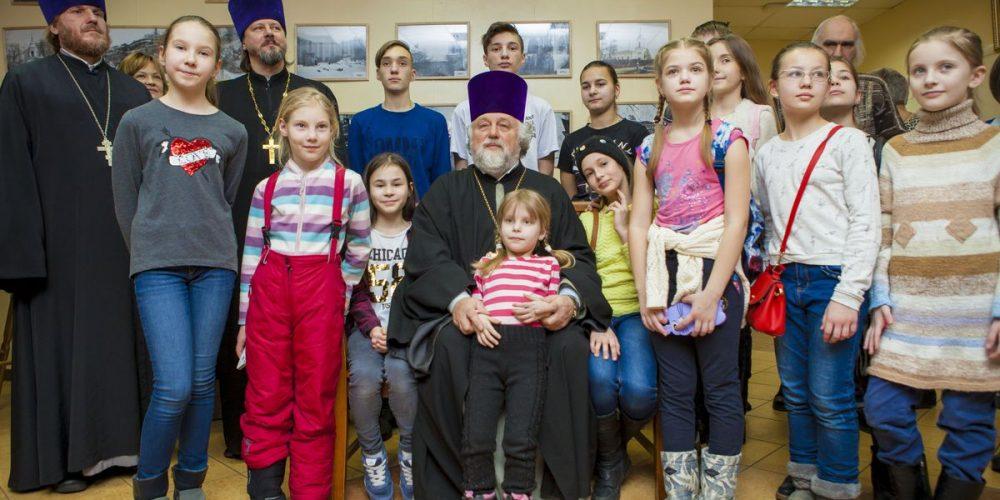 Фотогалерея. Празднование «Дня православной молодёжи» в Западном викариатстве.