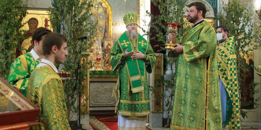 Архиепископ Анадырский и Чукотский Ипатий совершил чин обновления Иверской иконы Божией Матери в храме в Кунцеве