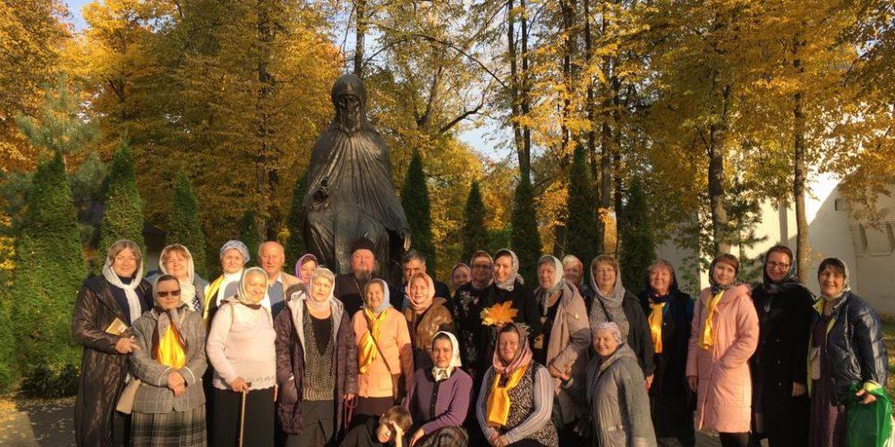 Богомольцы из Сургута вместе с гидами паломнического центра «Георгиевский» посетили святыни Золотого кольца и Калужской области (+ фото)