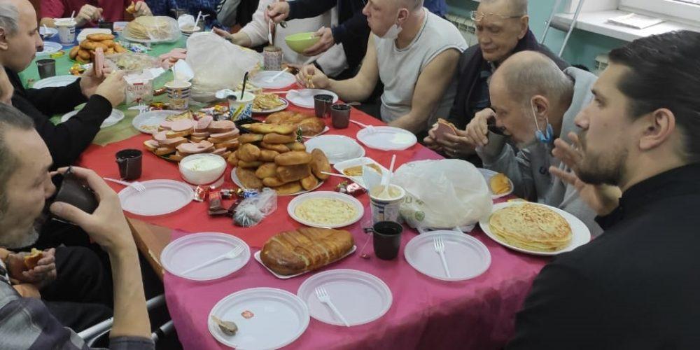 При храме прп. Андрея Рублева в Раменках возобновились встречи с подопечными приюта для бездомных