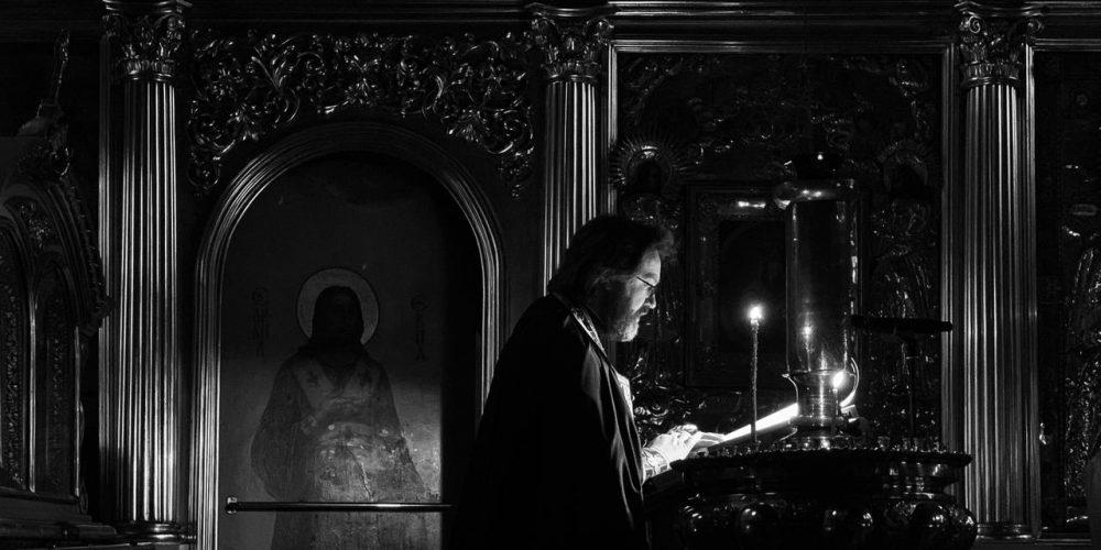 Епископ Фома молился за уставным богослужением в храме святителя Николая в Хамовниках