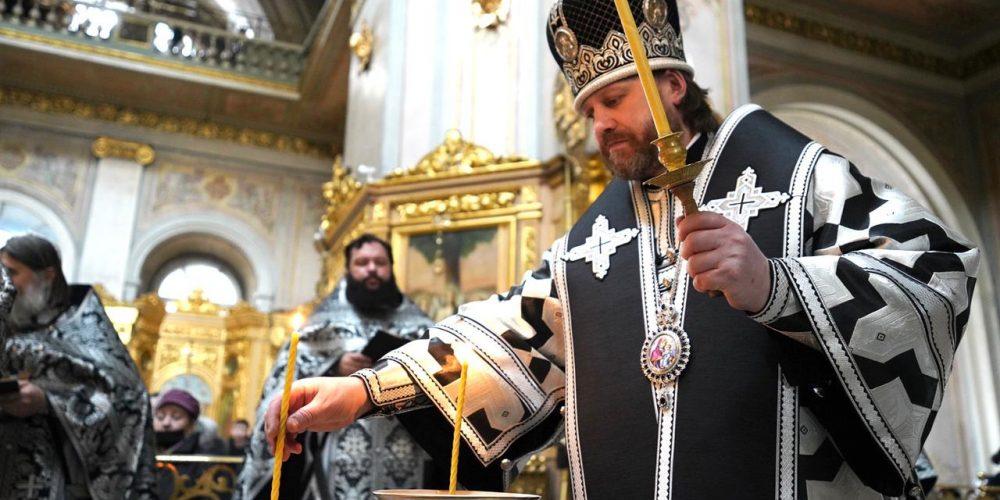 Епископ Павлово-Посадский Фома совершил молебный канон великомученику Феодору Тирону