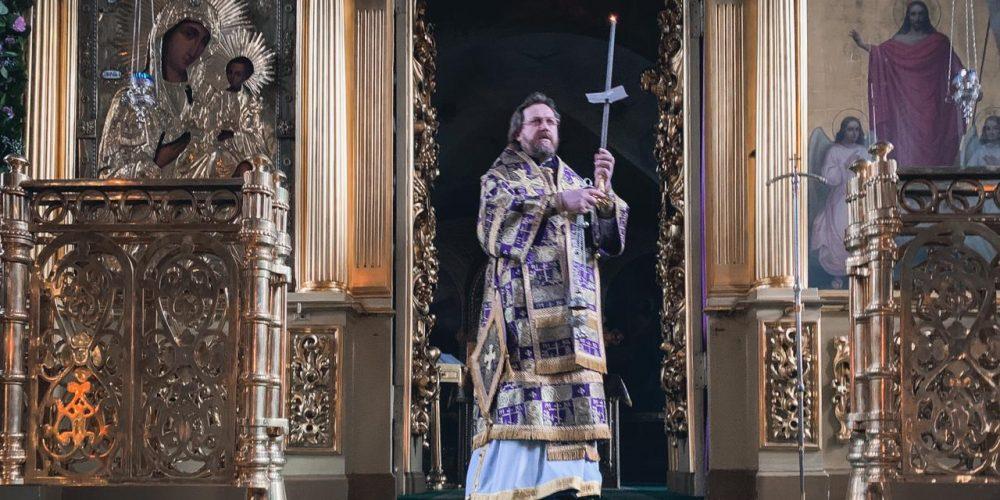 Литургию Преждеосвященных Даров в день памяти 40 Севастийских мучеников совершил епископ Павлово-Посадский Фома в храме свт. Николая в Хамовниках