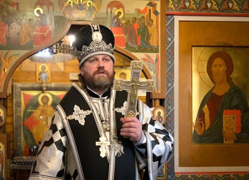 Литургию Преждеосвященных Даров совершил епископ Павлово-Посадский Фома в храме Успения Пресвятой Богородицы