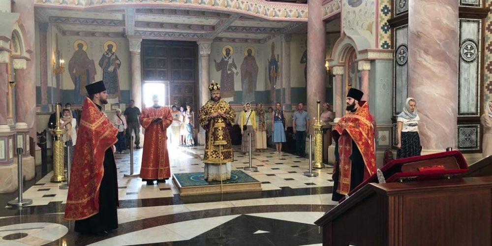 Всенощное бдение в соборе Софии Премудрости Божией в Самаре возглавил епископ Фома