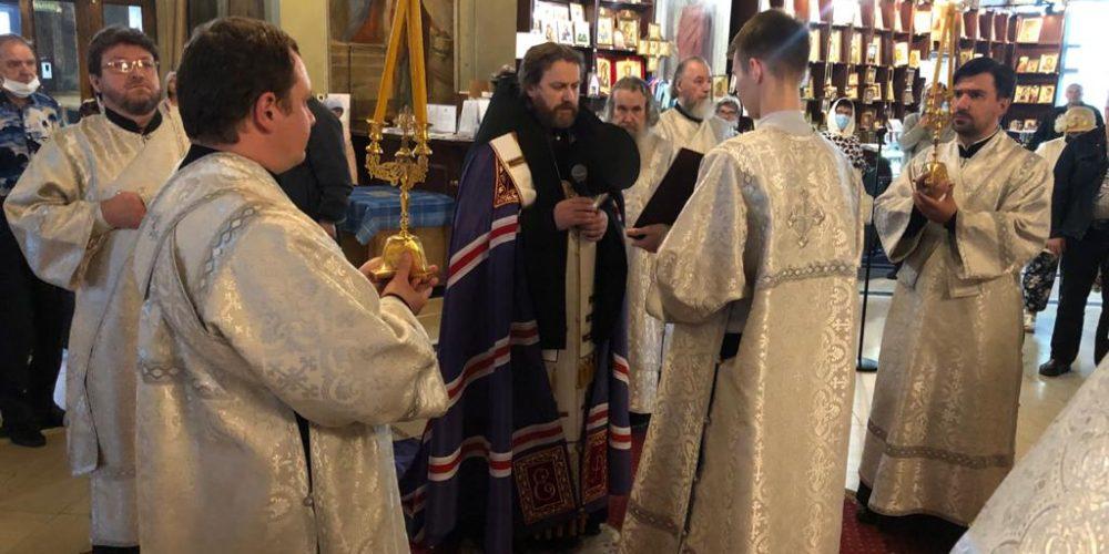 Всенощное бдение накануне Вознесения Господня совершил владыка Фома в Богоявленском соборе