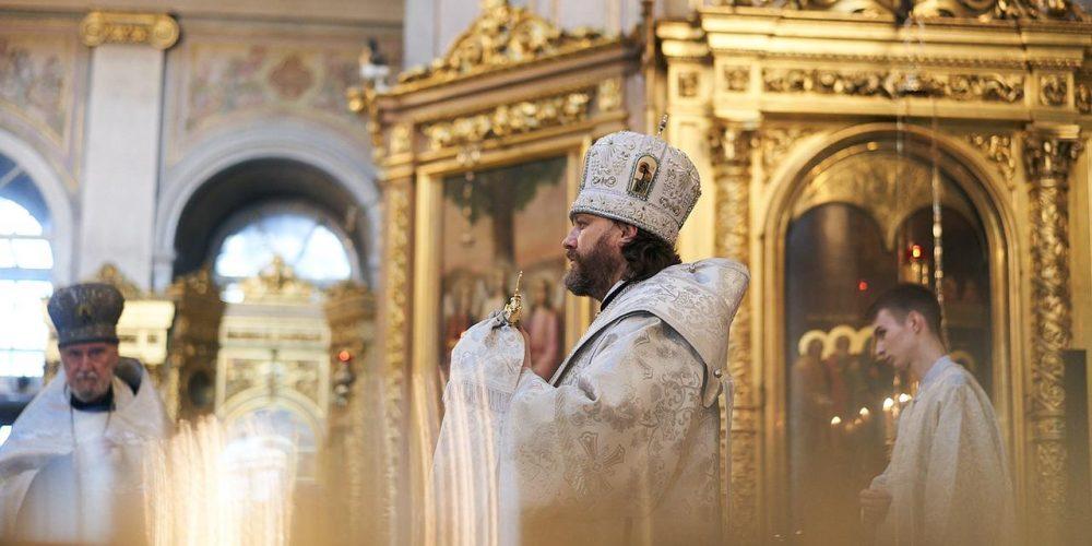 Владыка Фома совершил Всенощное бдение в Богоявленском соборе