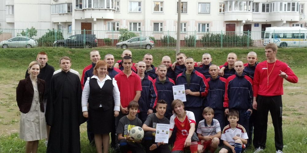 На территории ГБОУ СОШ № 14 состоялась товарищеская матчевая встреча по мини-футболу