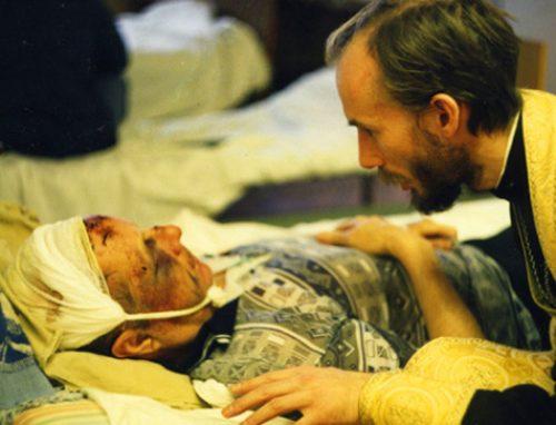 Священнослужители навестили пострадавших от взрыва в московском ресторане