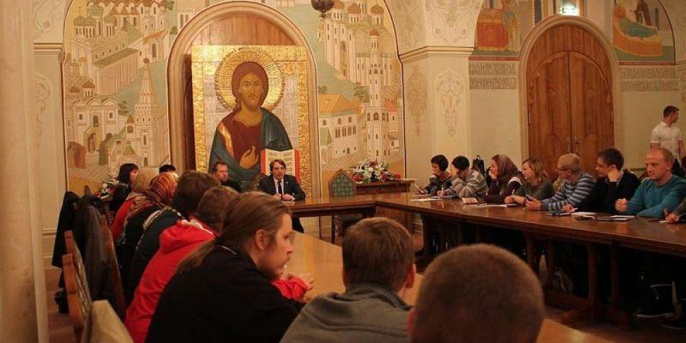 В Храме Христа Спасителя состоялось обсуждение общецерковного плана молодежной работы