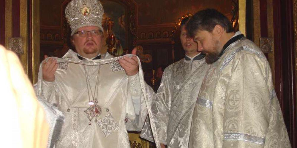 Епископ Выборгский и Приозерский Игнатий совершил Божественную литургию в храме Архангела Михаила в Тропареве