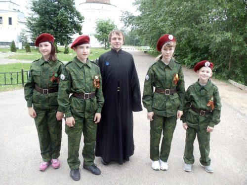 Молодежный клуб «Неофит» и Воскресная школа на молодежном празднике