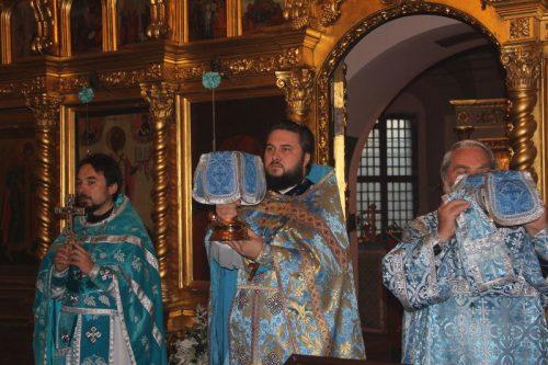Престольный праздник в храме Покрова Пресвятой Богородицы в Филях.