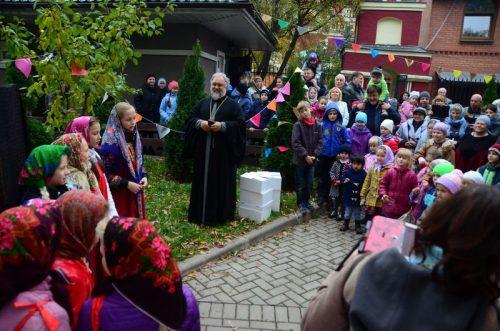 «Покровские старты» и благотворительная ярмарка храма Архистратига Михаила (Патриаршее подворье) в Тропарево