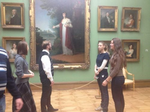 Ребята из приходского молодежного объединения «Верность» храма прав. Иоанна Русского посетили Третьяковскую галерею
