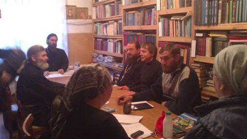Участие молодежников и патриотов храма Архистратига Михаила (Патриаршее подворье) в Тропарево в межрегиональном круглом столе.