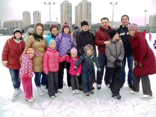 Поддержка российских олимпийцев на льду в день православной молодежи – Сретения господня