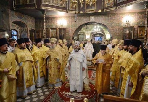 В неделю о Страшном Суде Святейший Патриарх Кирилл совершил Литургию в московском храме Архангела Михаила в Тропареве