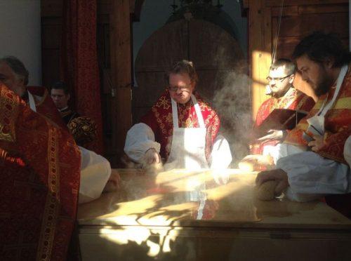 Великое освящение храма Воскресения Христова в Толстопальцеве