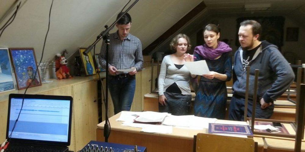 Силами миссионеров и молодежи храма прп. Серафима Саровского в Кунцеве была подготовлена аудиопрограмма для трансляции в Великую Субботу