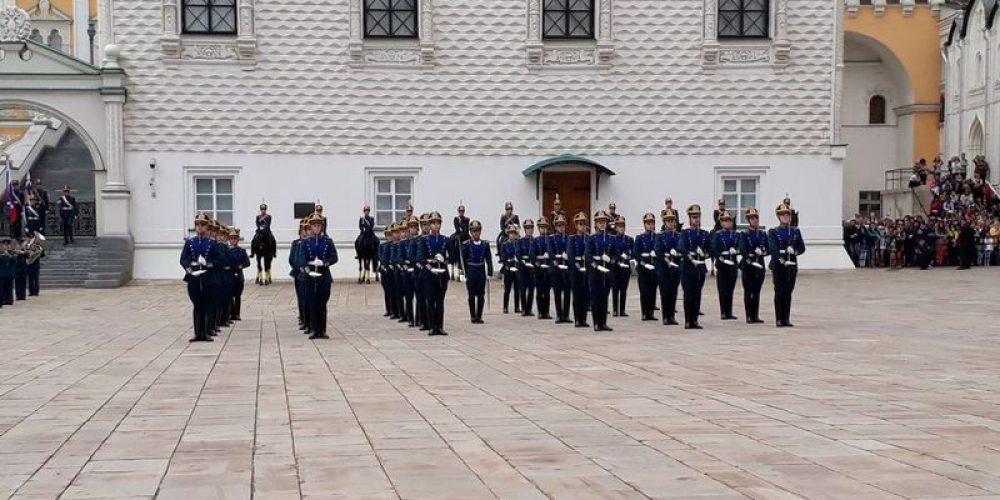 Ученики воскресной школы храма прп. Серафима Саровского в Кунцеве посетили Московский Кремль