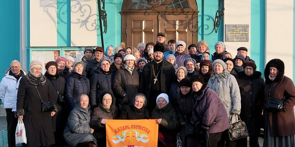Клуб «Я шагаю по Москве» («Активное долголетие»): автобусная экскурсия в храмы в Крылатском.