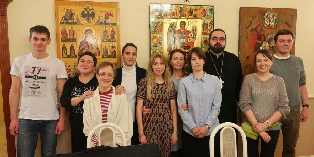 Встреча со священником в храме Архангела Михаила