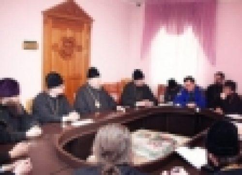 В Красноярске епископ Бронницкий Игнатий провел встречу с правящими архиереями епархий и ответственными за молодежное служение