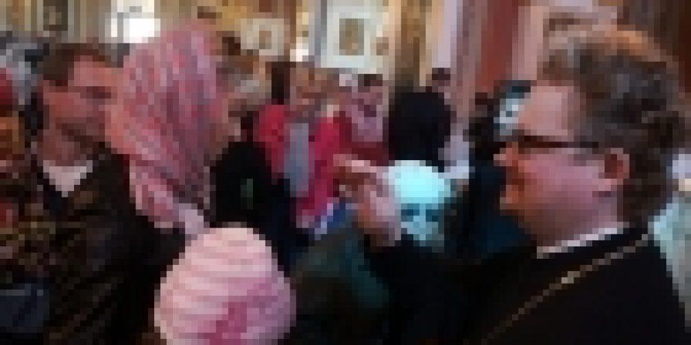 В Праздник Пасхи епископ Выборгский и Приозерский Игнатий посетил богадельню и поздравил горожан с праздником на Соборной площади Выборга
