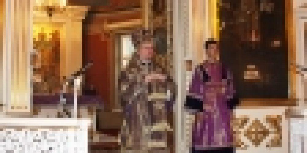 Епископ Выборгский и Приозерский Игнатий совершил Богослужения в праздник Воздвижения Креста Господня в Спасо-Преображенском соборе города Выборга