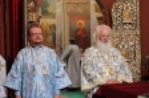 Епископ Выборгский и Приозерский Игнатий совершил Литургию в Иверском монастыре и встретился с молодежью