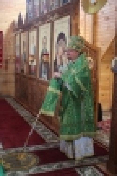 Епископ Выборгский и Приозерский Игнатий возглавил Литургию в храме прп.Серафима Саровского г. Каменногорска