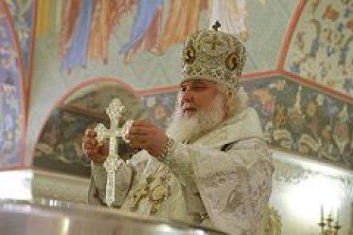 Архиепископ Истринский Арсений совершил ряд праздничных богослужений в Храме Христа Спасителя