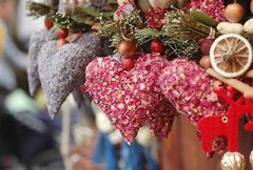 Социальная служба храма Рождества Иоанна Предтечи на Пресне организовала благотворительную ярмарку