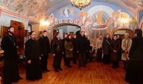 Преподаватели и учащиеся Иконописной школы при МДА посетили храм святителя Николая Мирликийского в Кленниках