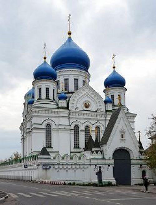 Епископ Дмитровский Феофилакт совершил Божественную литургию в Николо-Перервинском монастыре