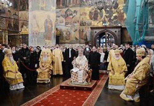 В Прощеное воскресенье Святейший Патриарх Кирилл совершил Литургию в Успенском соборе Кремля