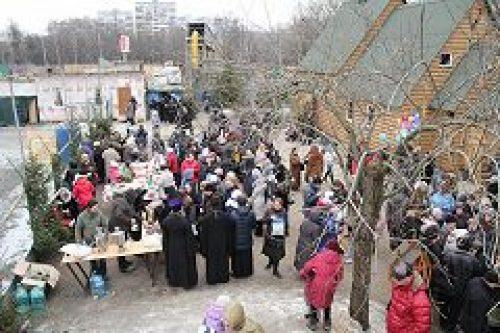 Приход храма вмч. Феодора Тирона в Хорошеве организовал праздник для прихожан и их друзей