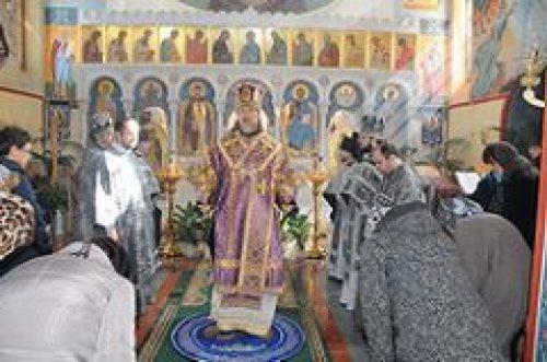 В среду первой седмицы Великого поста архиепископ Егорьевский Марк совершил Литургию Преждеосвященных Даров в храме вмц. Екатерины в Риме