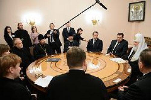 Предстоятель Русской Церкви встретился с лауреатами премии Фонда единства православных народов