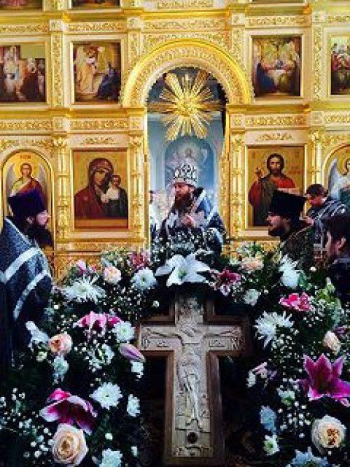 Епископ Воскресенский Савва совершил Литургию Преждеосвященных Даров в храме Покрова Пресвятой Богородицы в селе Большое Покровское